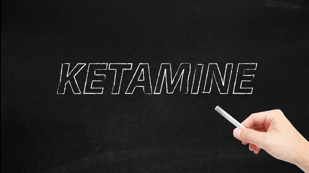 We offer treatment of severe psychiatric illness with Ketamine product including intravenous infusion, nasal spray and injections